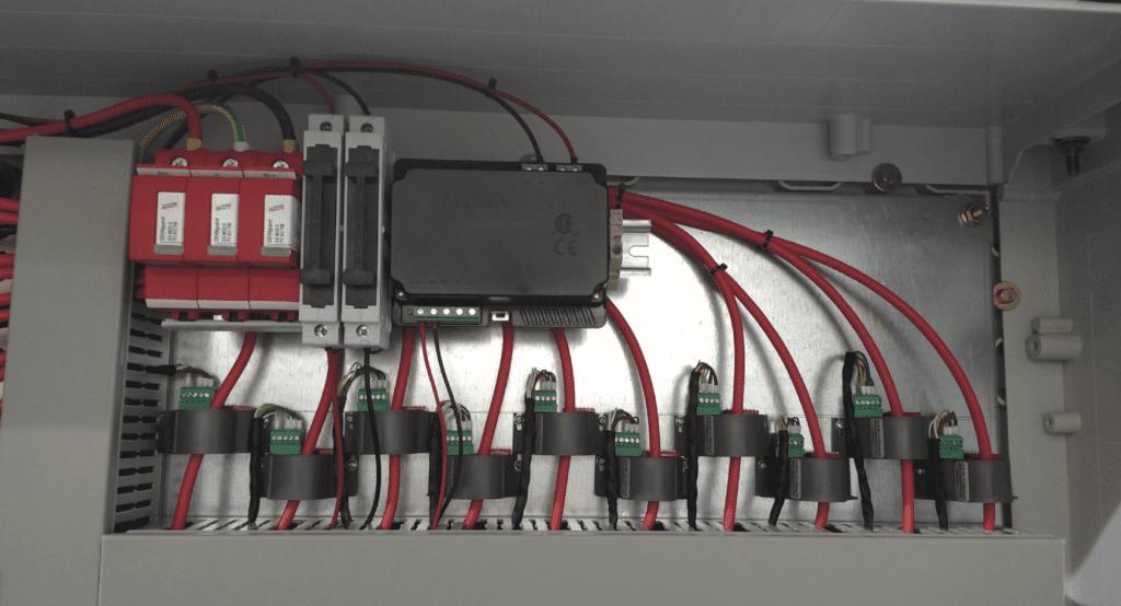 Biến dòng được lắp trong tủ điện