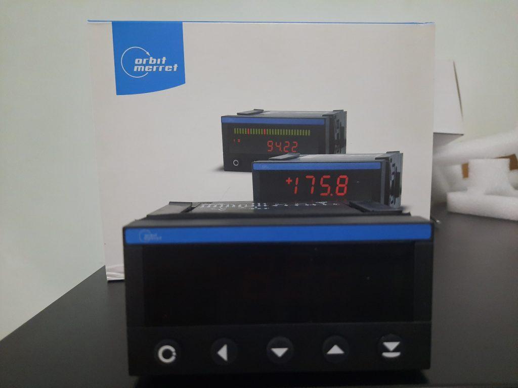 Bộ hiển thị tốc độ gió OM352UNI-1A211
